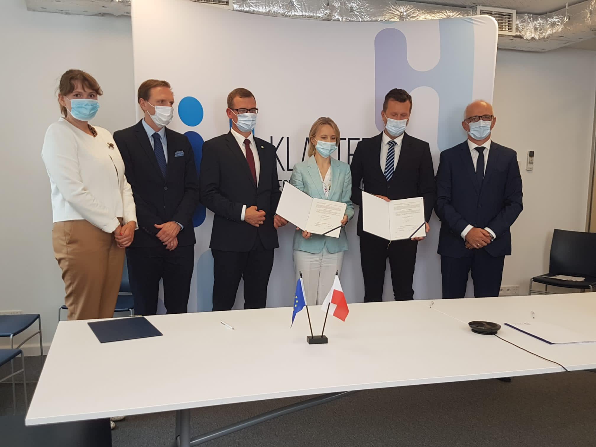 Europejski Bank Inwestycyjny (EBI) podpisał z Regionalną Izbą Gospodarczą Pomorza umowę na usługi doradcze dla Klastra Technologii Wodorowych